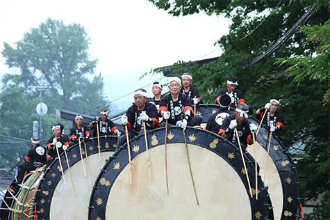 八幡宮綴子神社例大祭の写真