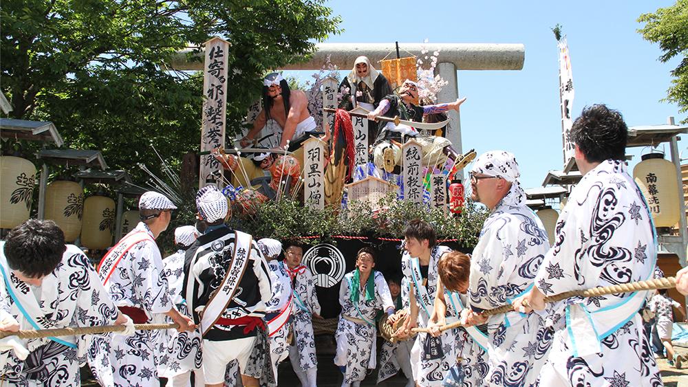 土崎神明社祭の曳山行事の写真